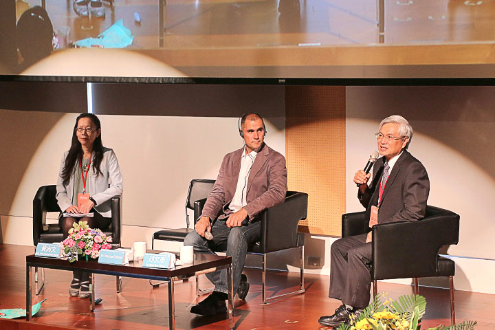 (左起)海洋大學海洋事務與資源管理研究所教授兼任所長黃向文、5 Gyres創辦人Dr. Marcus Eriksen、台灣海洋大學教授邱文彥